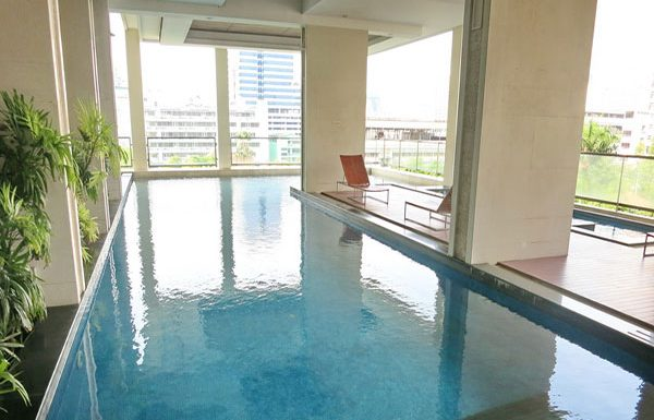 Baan-Siri-Silom-Bangkok-condo-for-sale-swimming-pool-3
