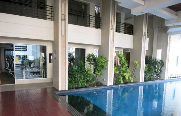 Baan-Siri-Silom-Bangkok-condo-for-sale-swimming-pool-5