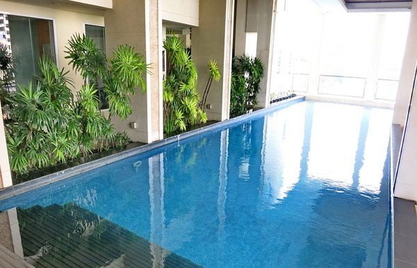 Baan-Siri-Silom-Bangkok-condo-for-sale-swimming-pool-6