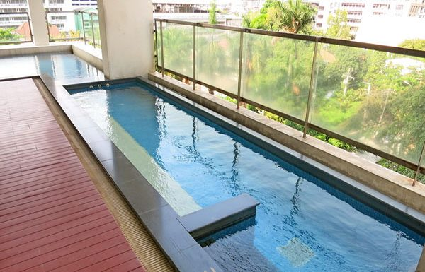 Baan-Siri-Silom-Bangkok-condo-for-sale-swimming-pool-7